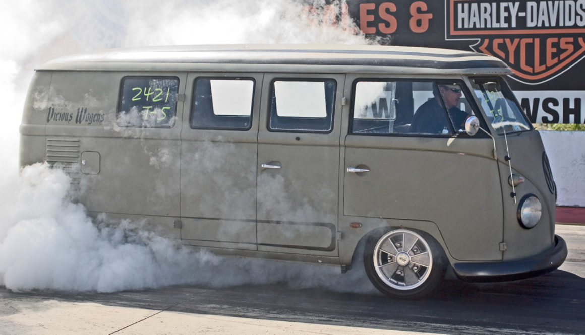 vw-bus-drag-racing-hotvws